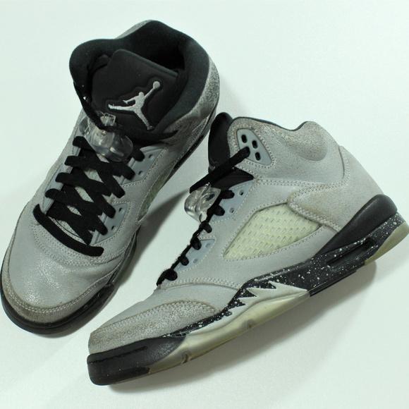 f6db98dab5d Jordan Shoes   Auth Nike Air Wolf Grey 5 V Gs 440892008   Poshmark